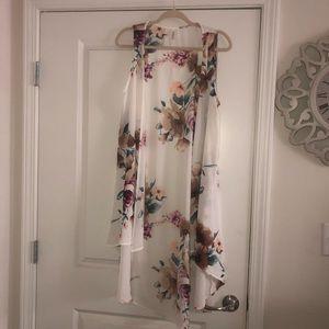 Other - Beautiful sleeveless kimono
